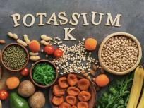 Covid-19 diet tips: कोरोना संकट में कम खायें ये 5 चीजें, बढ़ सकता है पोटैशियम लेवल, किडनियां हो सकती हैं कमजोर, जान का भी खतरा
