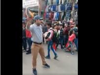 'पाकिस्तान मुर्दाबाद' के नारे लगाकर ये दुकानदार बेच रहा जूते, वीडियो वायरल