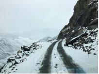 लद्दाख में समय से पहले बर्फबारी ने दी दस्तक, न नागरिक तैयारी कर पाए और न ही सेना
