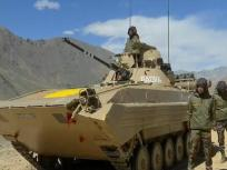 चीन से निपटने के लिए भारतीय सेना तैयार, LAC पर भीष्म टैंक तैनात, देखें वीडियो