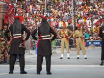 लॉकडाउन के बीच फंसे थे 5 पाकिस्तानी, भारत ने अटारी-वाघा बॉर्डर से भेजा वापस