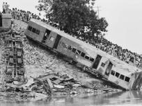 जब तूफान ने चलती ट्रेन को नदी में ढकेला, हुई थी 800 लोगों की मौत, ये हैं दिल दहला देने वाले भारत के 10 ट्रेन हादसे