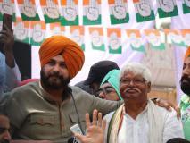नवजोत सिंह सिद्धू ने कहा, 'मोदी की योजना है नौजवानों के लिये पकौड़ा और अमीरों के लिये भगौड़ा'