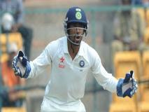 IND vs SA, 3rd Test: विकेटकीपिंग के दौरान चोटिल हुए ऋद्धिमान साहा, फैंस की चिंता बढ़ी