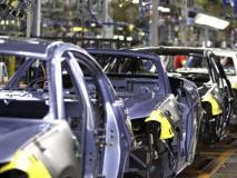 देश में ऑटो उद्योग बेहाल, यात्री वाहनों की बिक्री घटी, 8 साल की सबसे बड़ी गिरावट