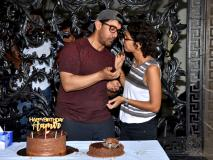 आमिर खान ने मीडिया के साथ मनाया अपना 54 वां जन्मदिन, खुल्लम खुल्ला वाइफ किरण को किया किस