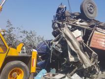 मुंबई-पुणे एक्सप्रेस-वे पर ट्रक और कार के बीच एक्सीडेंट में 4 लोगों की मौत, 5 घायल
