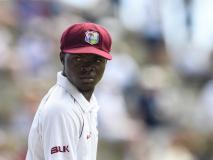 WI Vs ENG: वेस्टइंडीज का ये खिलाड़ी मां के निधन की खबर के बावजूद उतरा बैटिंग करने, बनाये इतने रन