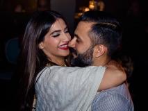 पति आनंद को लेकर रोमांटिक हुईं सोनम कपूर, लिखी दिल की बात