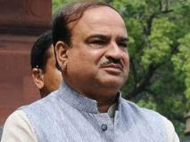 नरेंद्र मोदी कैबिनेट में मंत्री अनंत कुमार हैं बीमार, राजनीति से दूर रह विदेश में करा रहे हैं इलाज