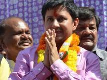 बल्ला कांडःBJP MLA आकाश अपने पिताकैलाश विजयवर्गीय के साथशिव मंदिर में भजन किए