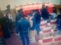 लेह: पत्रकारों ने BJP पर लगाया चुनाव प्रचार के लिए रिश्वत देने का आरोप, पार्टी के खंडन के बाद सामने आया CCTV फुटेज