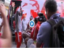 IPL 2019: मस्ती के मूड में दिखे क्रिस गेल, ढोल की थाप पर करने लगे डांस, देखें वीडियो