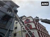 मुंबई के ताजमहल होटल के पास चर्चिल चैम्बर बिल्डिंग में लगी भीषण आग, एक की मौत और एक झुलसा