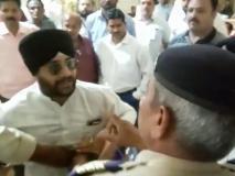 कांग्रेस की बैठक में जा रहे पार्टी के प्रवक्ता और पुलिस के बीच हाथापाई, वीडियो वायरल