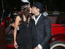 रिसेप्शन पार्टी में प्रतीक बब्बर ने नई दुल्हन को किया Kiss, बहु के साथ ऐसे दिखे राज बब्बर