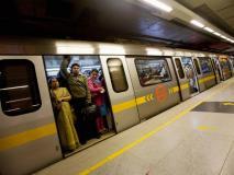 दिल्ली में मेट्रो स्टेशन पर पीछा कर शख्स करने लगा मास्टरबेट, ट्विटर पर महिला ने बताई आपबीती
