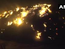 यूपी:नोएडा के सर्राफाबादमें करीब 150 झुगियों में लगी भीषण आग पर काबू, एक व्यक्ति की मौत