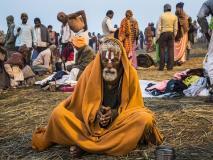 भस्म लगाना, नग्न रहना, कुल 5 चीजों से बनता है नागा साधुओं का विचित्र रूप