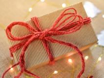 Valentine's Day Gift: वैलेंटाइन डे पर पार्टनर को गिफ्ट करें ये स्मार्ट गैजेट्स, बजट में है कीमत