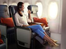 महिला दिवस: इस एयरलाइन्स में आज इकोनॉमी क्लास के टिकट पर बिजनेस क्लास में सफर करें महिलाएं