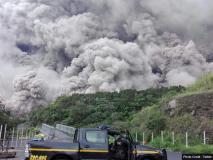 ग्वाटेमाला में ज्वालामुखी फटने से 25 लोगों की मौत, हवाईअड्डा बंद