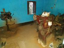 पश्चिम बंगाल: पुलिस ने किया अवैध हथियार फैक्ट्री का भंडाफोड़, कई पिस्तौल और मशीनें बरामद