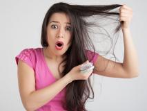 कंघी करने के इस तरीके से तेजी से झड़ते हैं बाल, जानें सही तरीका