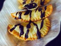 20 मिनट में ऐसे बनाएं चॉकलेटी और मावे की शुगर फ्री गुजिया, स्वाद ऐसा कि मेहमान हो जाएंगे दीवाने