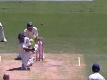India vs Australia: बल्ले से नहीं लगी गेंद, अंपायर ने दे दिया हनुमा विहार को आउट, देखें VIDEO