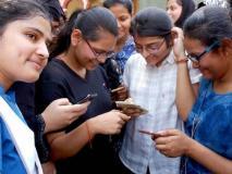 दिसंबर से युवाओं को मिलेगा फ्री स्मार्ट फोन, 11वीं और 12वीं की छात्राओं से होगी योजना की शुरुआत