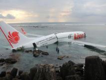 लॉयन एयर फ्लाइट क्रैश: अभी तक नहीं मिला यात्रियों का एक भी सुराग, दिल्ली का था पायलट