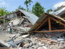 इंडोनेशिया में 7 की तीव्रता से आया भूकंप, भारी तबाही में 82 लोगों की मौत और 100 से ज्यादा घायल
