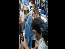 गांव वालों ने शहीद जवान की पत्नी के लिये किया ऐसा काम हर तरफ हो रही है तारीफ, वीडियो देख हो जायेंगे भावुक