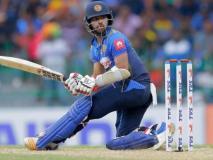 कुसल मेंडिस श्रीलंका की जीत के जश्न में लगा रहे थे बाइक से चक्कर, अचानक मैदान में गिर पड़े, देखें वीडियो