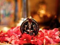 होली पर इस 'महाउपाय' से धन की देवी लक्ष्मी को करें प्रसन्न, कंगाली हो जाएगी दूर