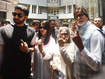 लोकसभा इलेक्शन 2019: अमिताभ बच्चन पत्नी जया बच्चन,बेटे अभिषेक और बहू ऐश्वर्या के साथ वोट डालने पहुंचे, देखें Pics