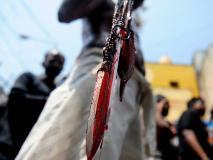 VIDEO: मुहर्रम क्यों मनाते हैं, खुद को चाकुओं और तलवारों से ज़ख्मी क्यों करते हैं मुस्लिम?