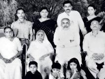 क्या पीएम नरेंद्र मोदी के माता-पिता और परिवार के बारे में ये बातें जानते हैं आप?