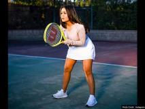 नेहा कक्क्ड़ बोल्ड और हॉट अंदाज में टेनिस खेलती आईं नजर, फैंस के साथ इंस्टा पर शेयर की कई तस्वीरें