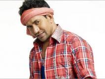 भोजपुरी अभिनेता निरहुआ के खिलाफ जान से मारने की धमकी पर शिकायत दर्ज