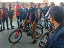 राजस्थान के परिवहन मंत्री साइकिल चलाकर पहुंचे विधानसभा, ये बताया कारण