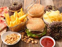 फास्ट फूड और चॉकलेट से आपको हो सकता है कैंसर