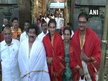पीवी सिंधु ने किए तिरुपति बालाजी मंदिर के दर्शन, कहा, 'ऐतिहासिक गोल्ड के लिए भगवान को धन्यवाद कहने आई हूं'