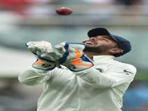 Ind vs Aus: ऋषभ पंत ने वर्ल्ड रिकॉर्ड की बराबरी के बाद की धोनी की तारीफ, कहा, 'वह देश के हीरो हैं'