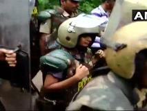सबरीमाला विवाद: मंदिर परिसर में प्रदर्शन कर रहे 68 श्रद्धालु गिरफ्तार, असुविधाओं को लेकर अल्फोंस ने केरल सरकार की आलोचना