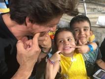 IPL 2019: धोनी की बेटी जीवा के साथ शाहरुख खान ने जमकर की मस्ती, वायरल हुई फोटोज