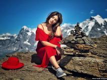 शमा सिकंदर रेड ड्रेस में यूं बिजलियां गिराती आईं नजर, देखें वायरल Photos