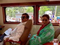 लोकसभा चुनाव 2019: पत्नी के प्रचार के लिए सपा के रथ पर सवार हुए कांग्रेस के 'शॉटगन'