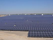भरत झुनझुनवाला का नजरियाः भविष्य के लिए सौर ऊर्जा पर ही दें पूरा ध्यान